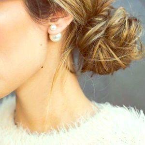 Jewelry - For ncmsnowqueen 2 pair pearl earrings bundle